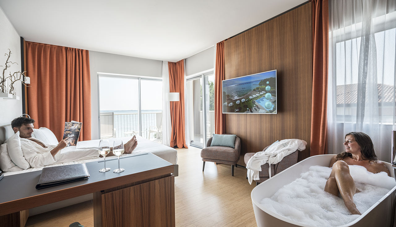 Junior Suite Wellness fronte lago a Sirmione