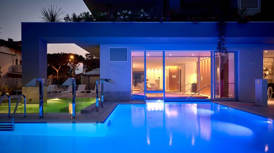 hotel con piscina termale lago di garda