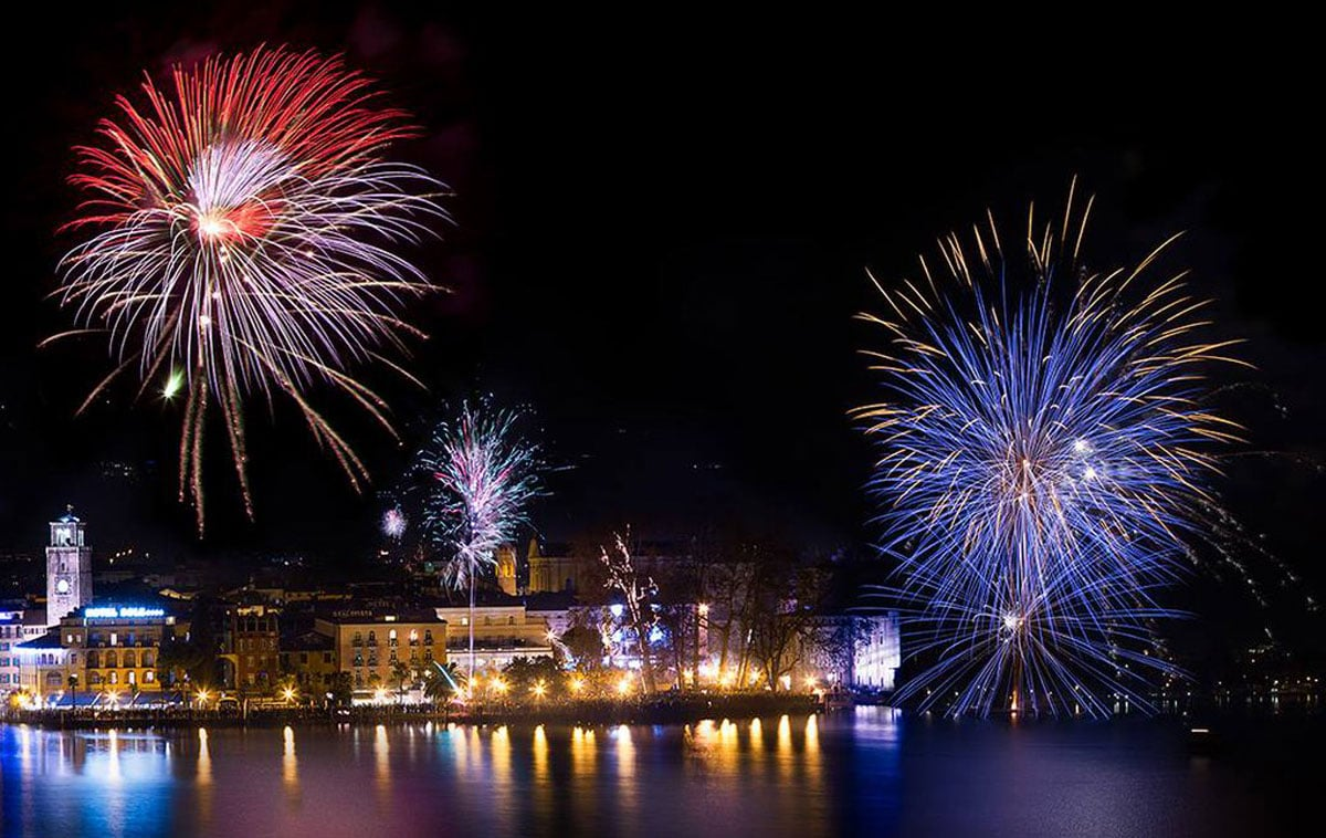 Fuochi d'artificio lago di Garda 2019