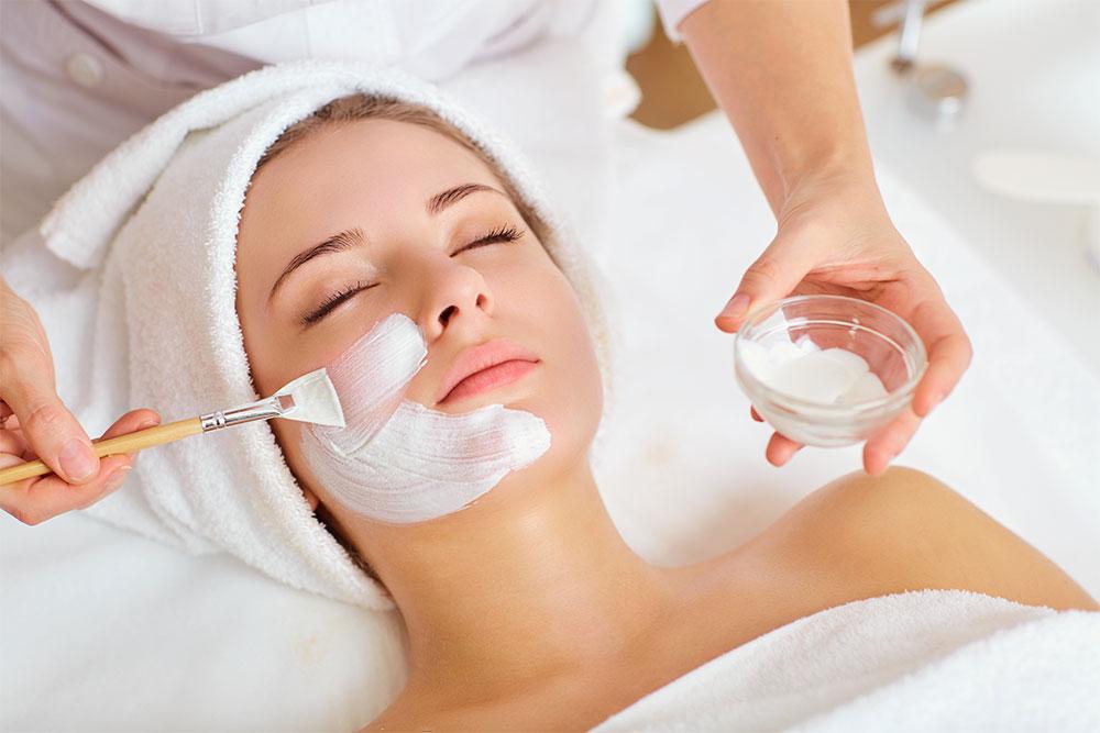 Ti Prendi cura del tuo viso? Segui i consigli della nostra esperta SPA Therapist