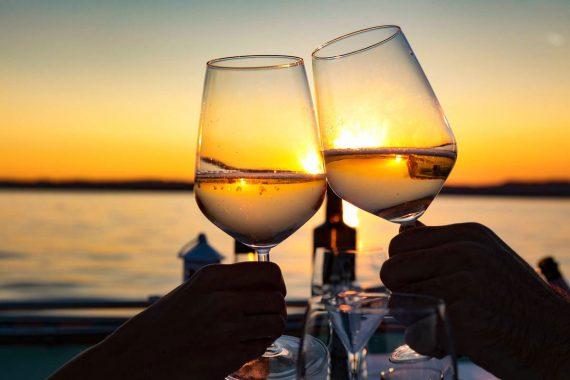 cin cin tramonto in barca